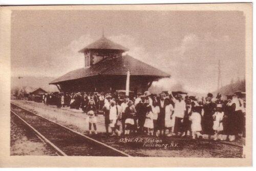 Fallsburg Station Post Card